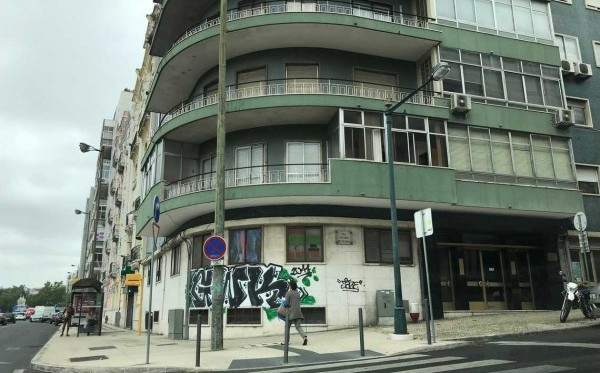 Apartment electrical and telecommunications installations in Entrecampos, Lisbon